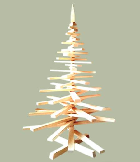 Alberi di natale in legno un vero albero di natale for Albero di natale di legno